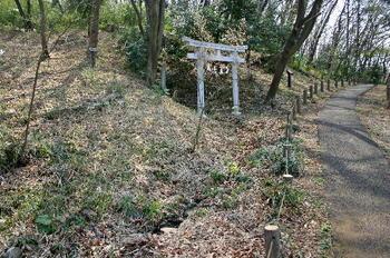090321-13おみたらしの鳥居.JPG