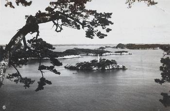 01灯台のある島 地蔵島(本土側・多門山からか).jpg