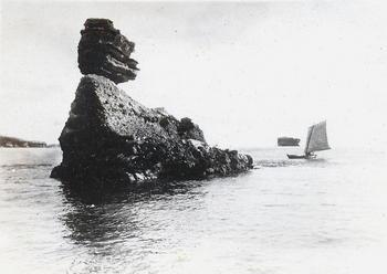 09海上から-2 仁王島.jpg